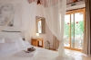 La suite Azor tiene un estilo boho rústico que aporta calidez a tu destino en Ibiza